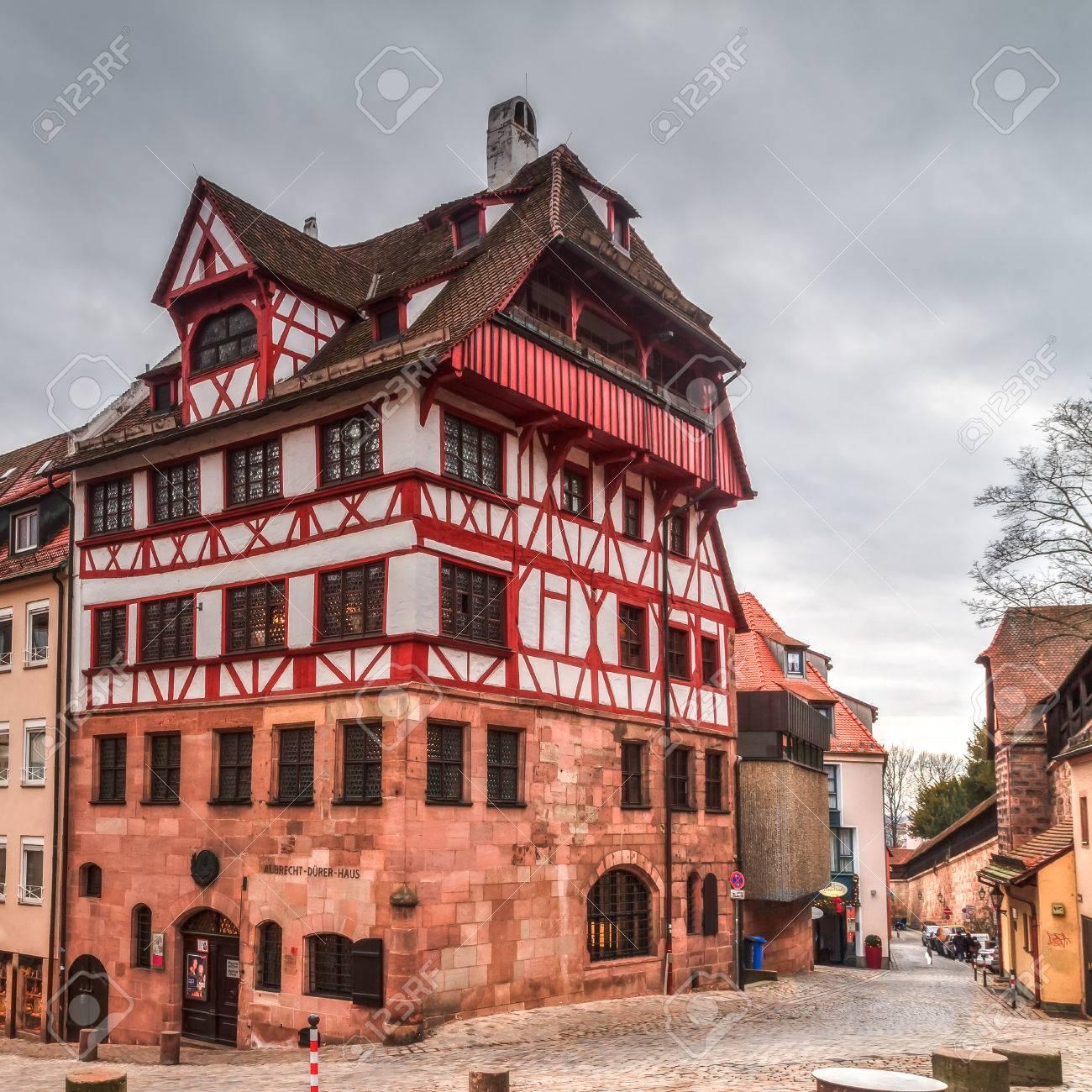 Historische Albrecht-Dürer-Haus In Nürnberg, Bayern Deutschland An ...
