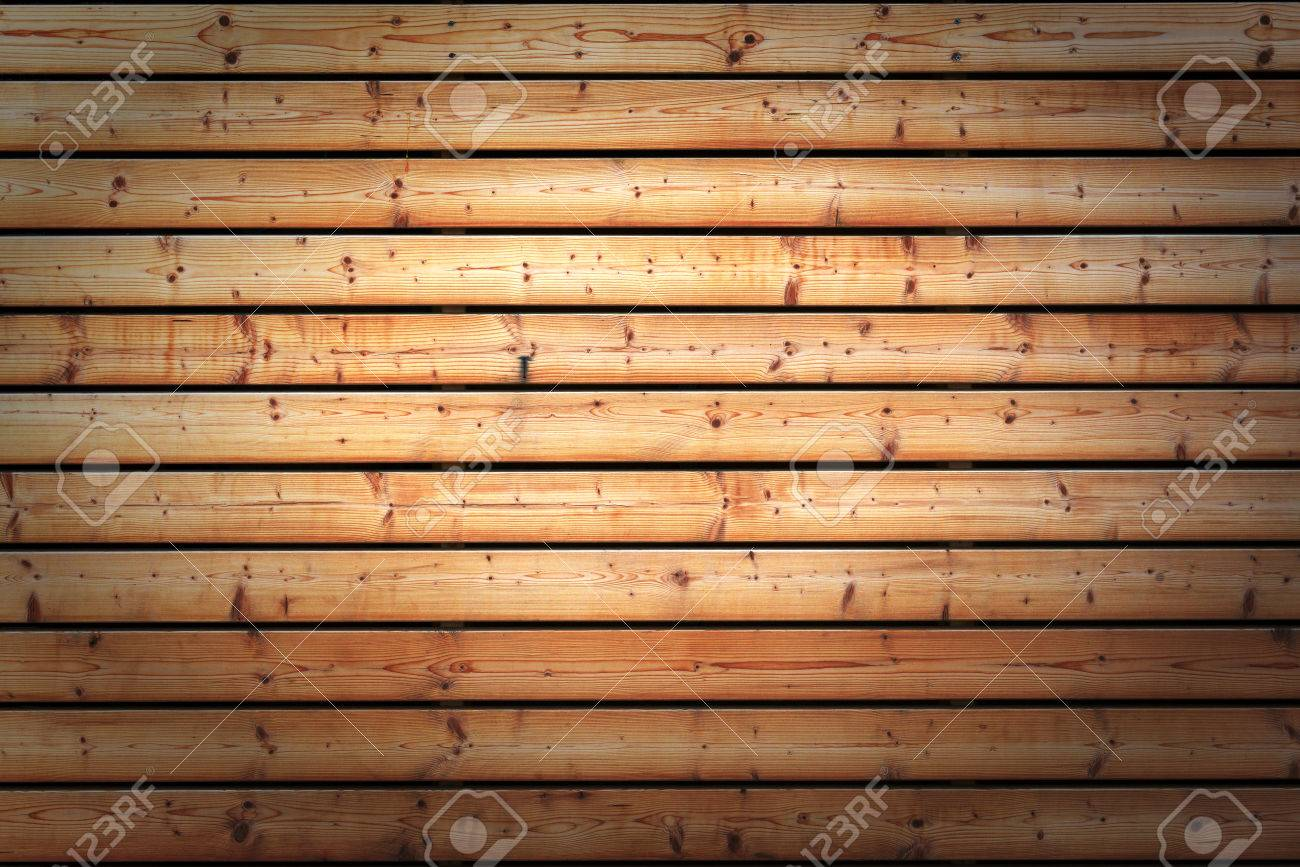 Rivestimenti In Legno Da Parete texture di sfondo di tavole di legno nodoso usato come rivestimento su una  parete che dà una consistenza omogenea e il modello con vignette laterali