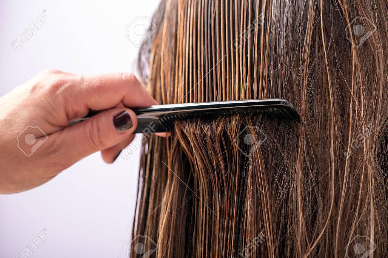Resultado de imagen para peinar cabello con peine
