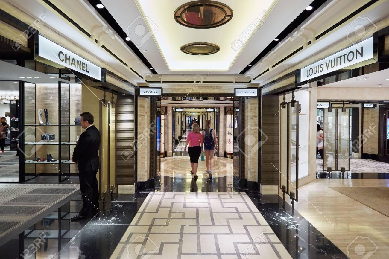 Kaufhaus Harrods Interieur, Luxus-Modegeschäfte In London ...