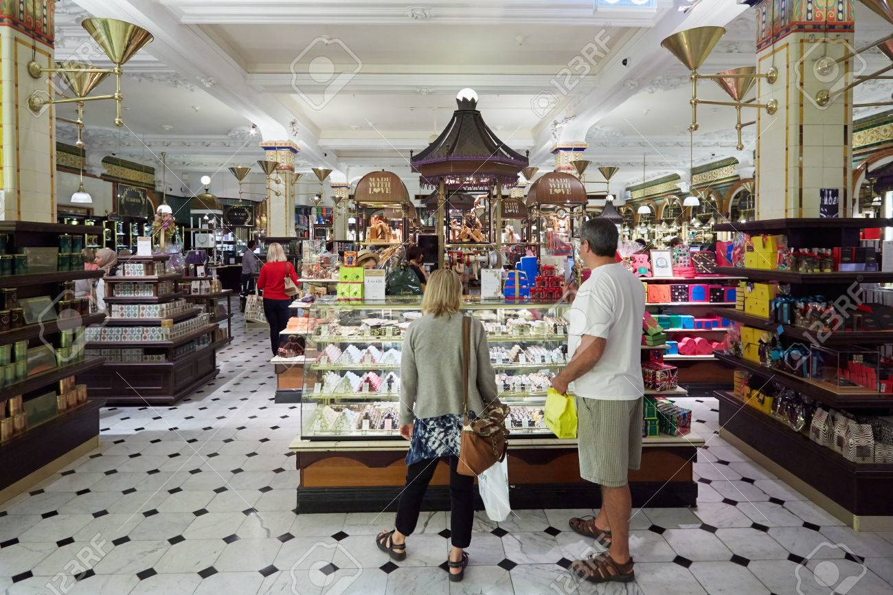 Kaufhaus Harrods Interieur, Bonbons Und Süßigkeiten Bereich In ...