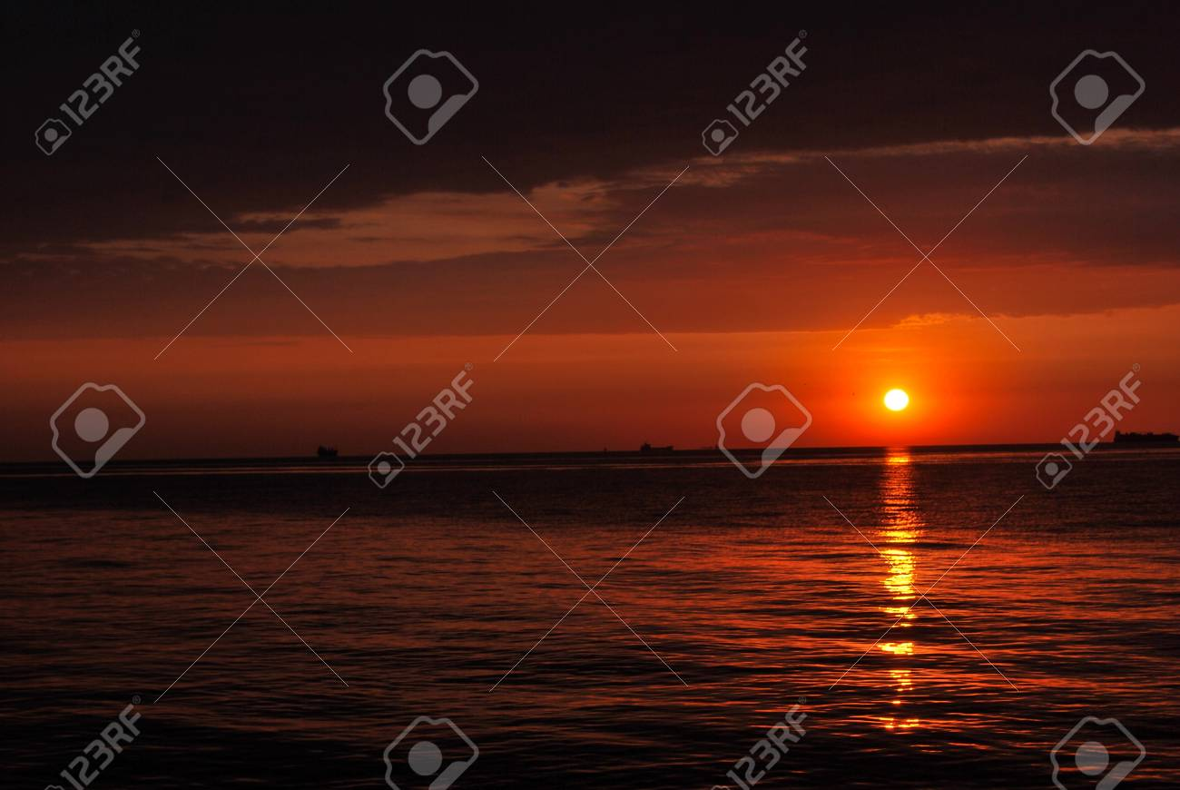 sunrise at sea Odessa - Ukraine Stock Photo - 11762151