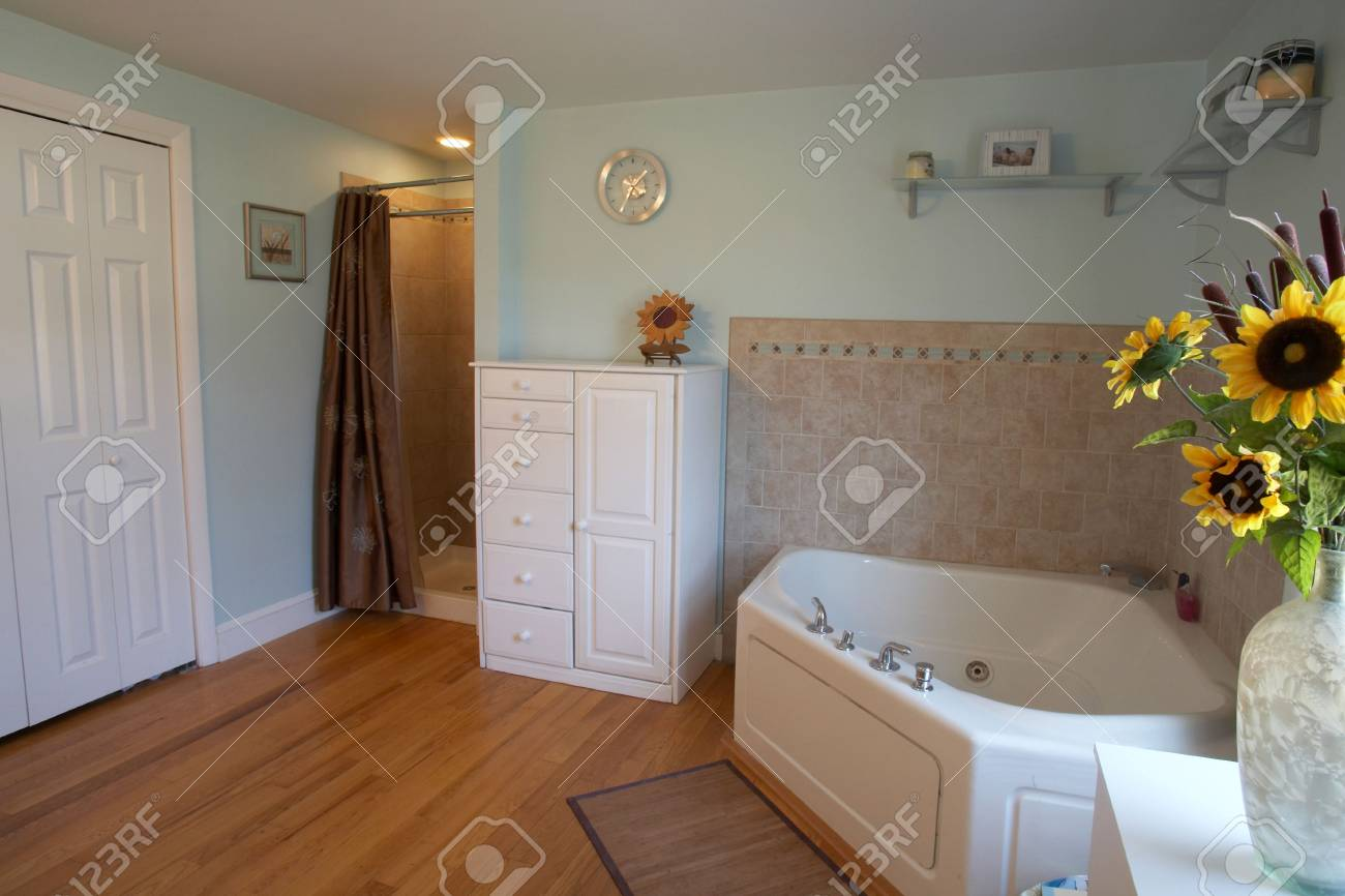 Banque dimages salle de bains intérieur de maison moderne contemporain