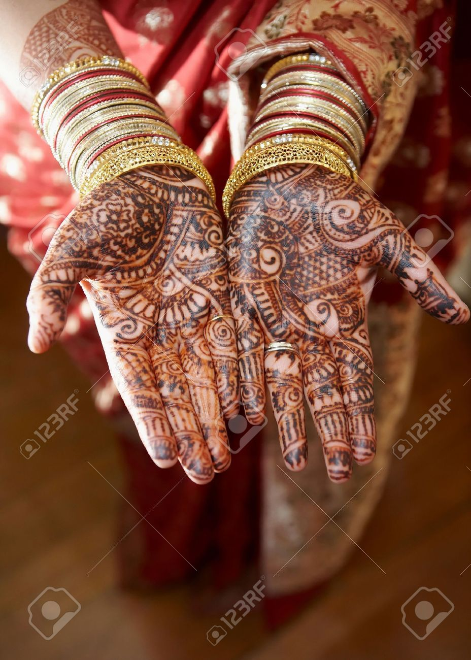 Henna On Hands Of Wedding Bride From India Stock Photo Picture And