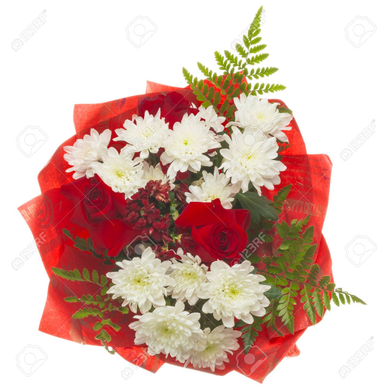 Beautiful summer flowers bouquet of red roses and white beautiful summer flowers bouquet of red roses and white chrysanthemum and green fern leaves in red izmirmasajfo