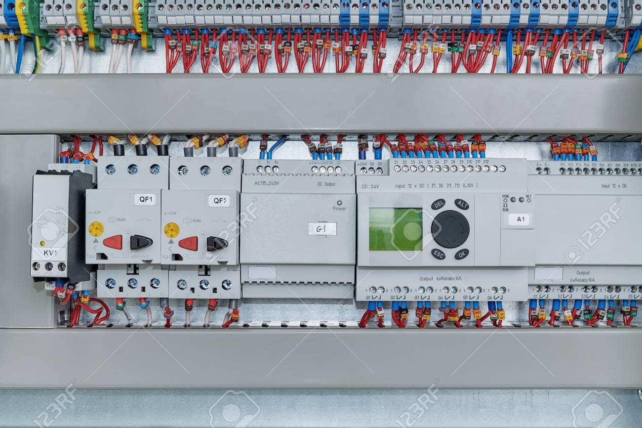 Schema Elettrico Relè Interruttore : Interruttori auto e relè scelta migliore solled led solare