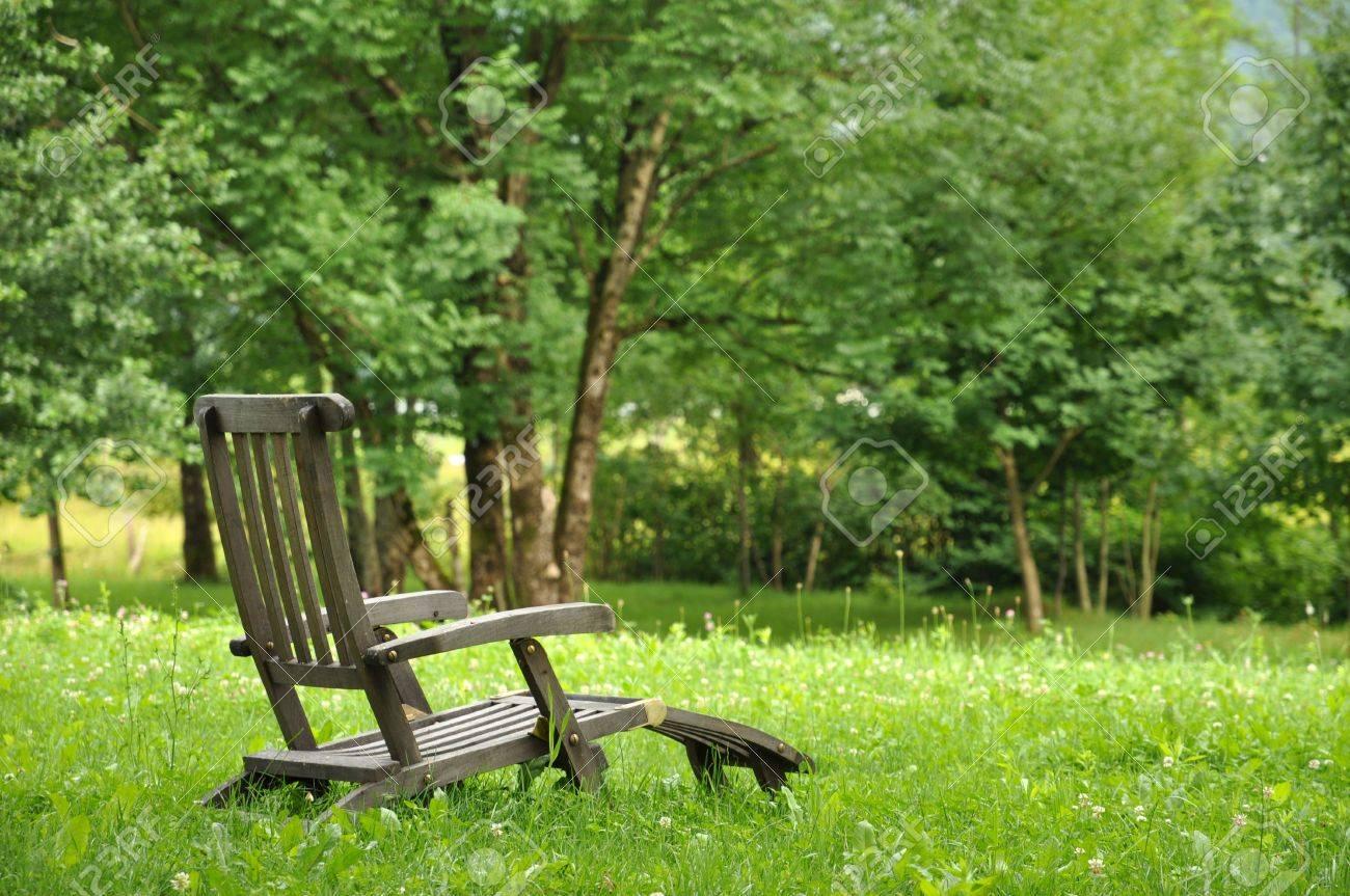 Liegestuhl Im Garten 55 Ideen Fur Gestaltung Vom Lounge Bereich ...