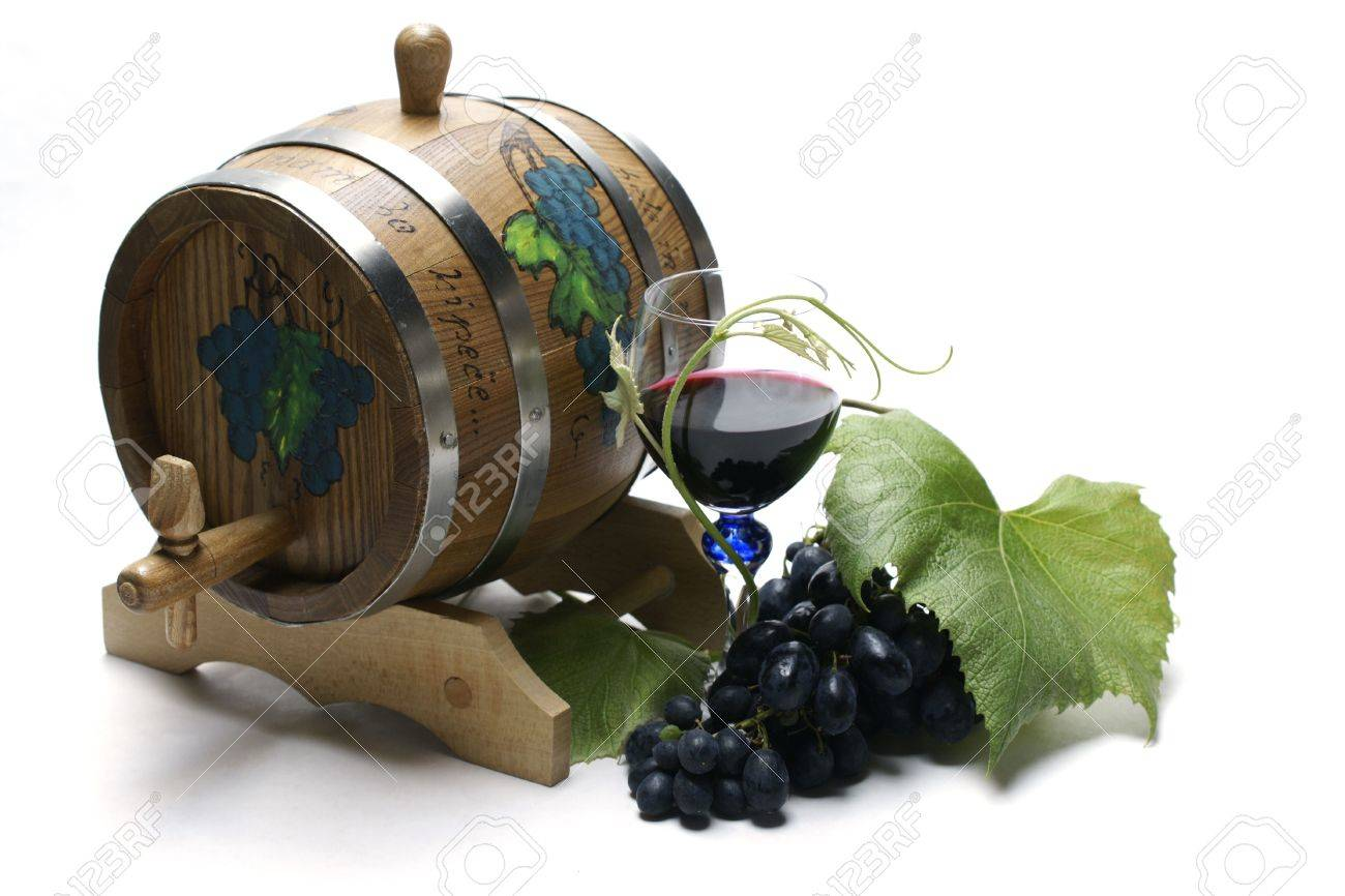 Wine barrel and grapes Stock Photo - 3143095