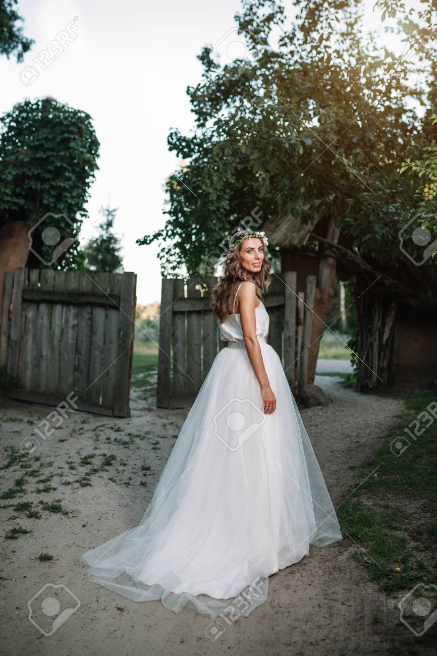 Look - Dresses wedding with sleeves in cute concepts video