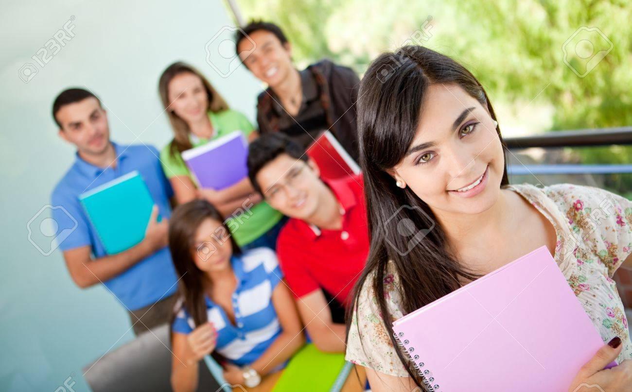 Студентки совращают однокурсника 12 фотография
