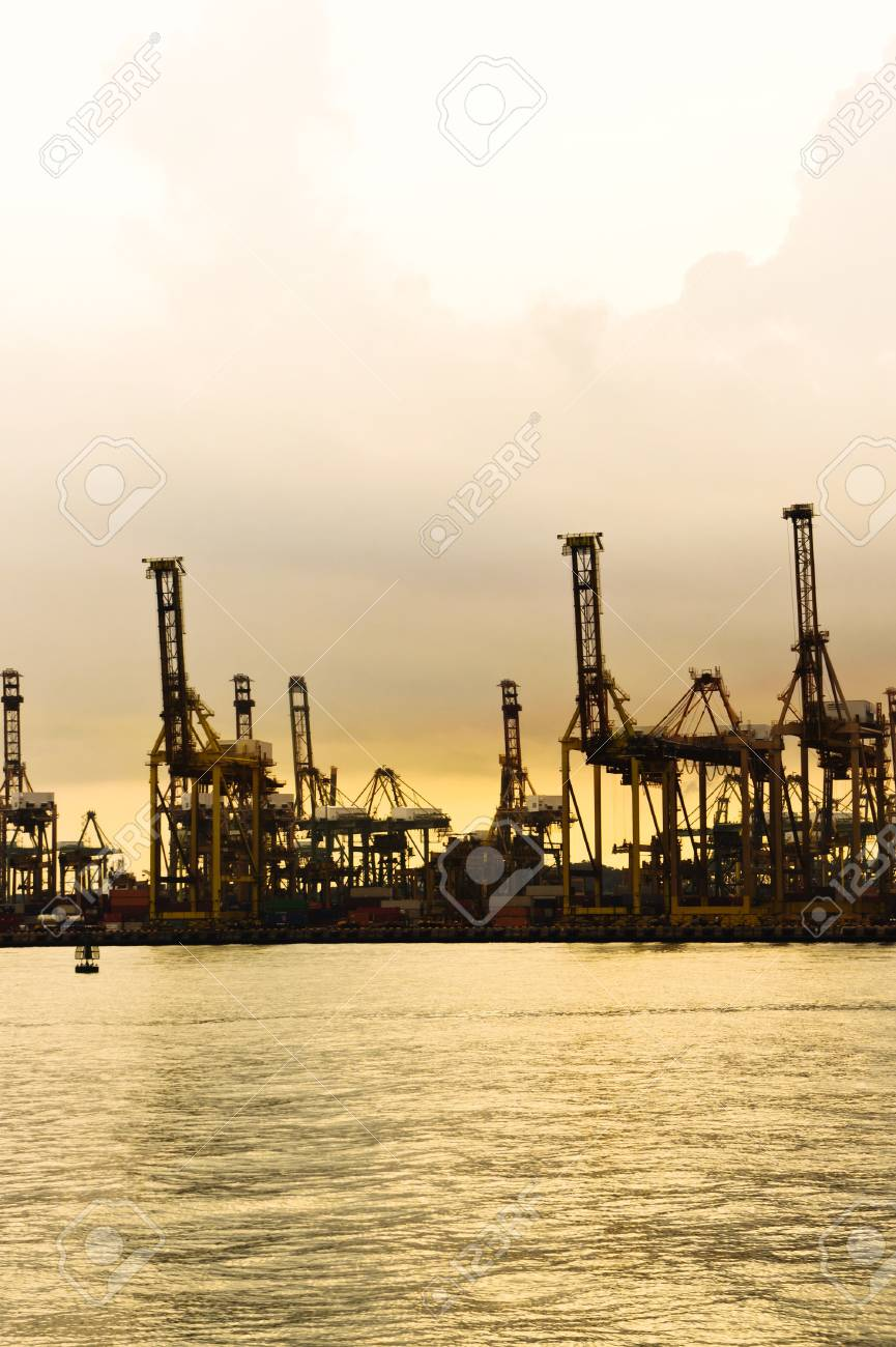 Vertical view of a Harbor with a golden sunset view- Singapore Stock Photo - 12681053