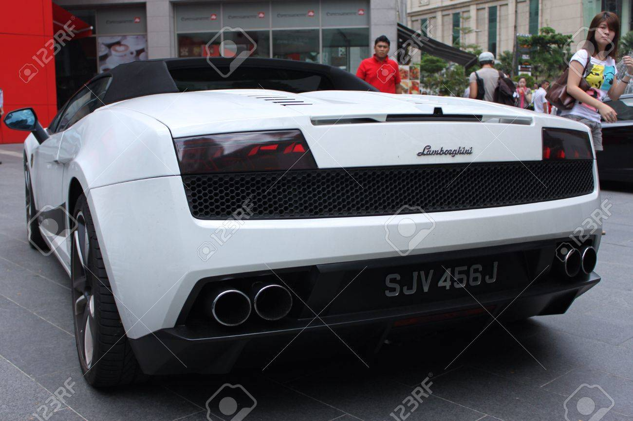 Back view of Lamborghini Gallardo