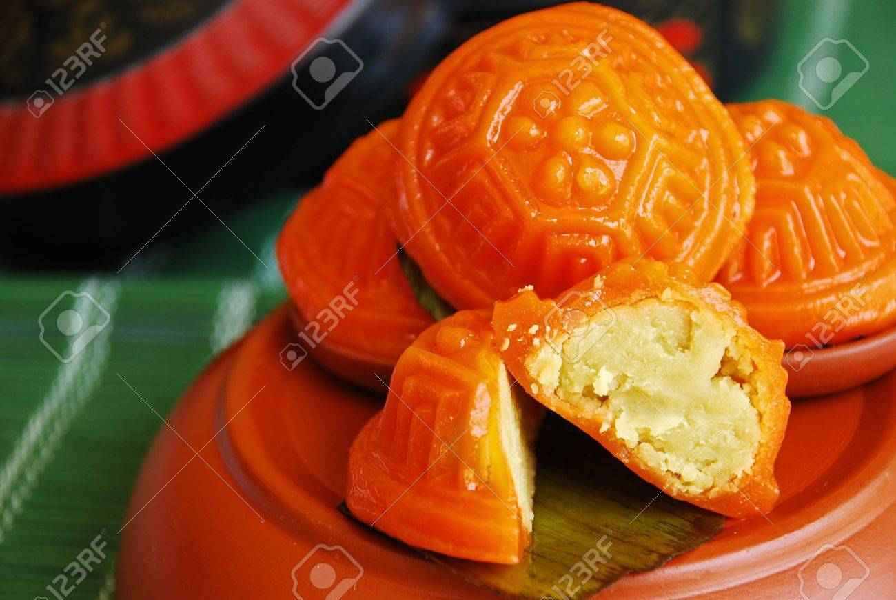 Asian delights, nyonya kueh - Kueh Ang Koo (red koo turtle cake) - 3113976