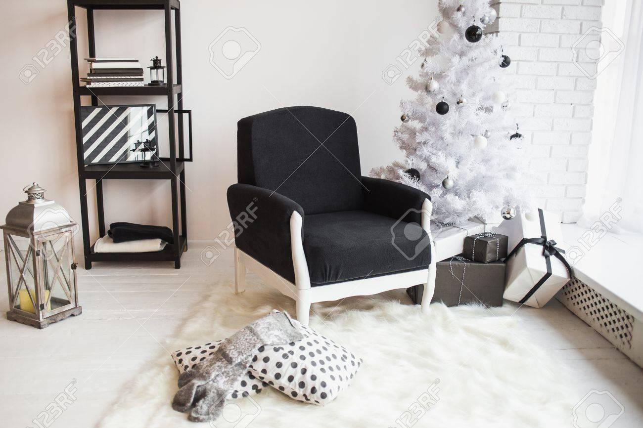 Moderne élégant Décor De No l Blanc Salon Avec Mur De Briques Et