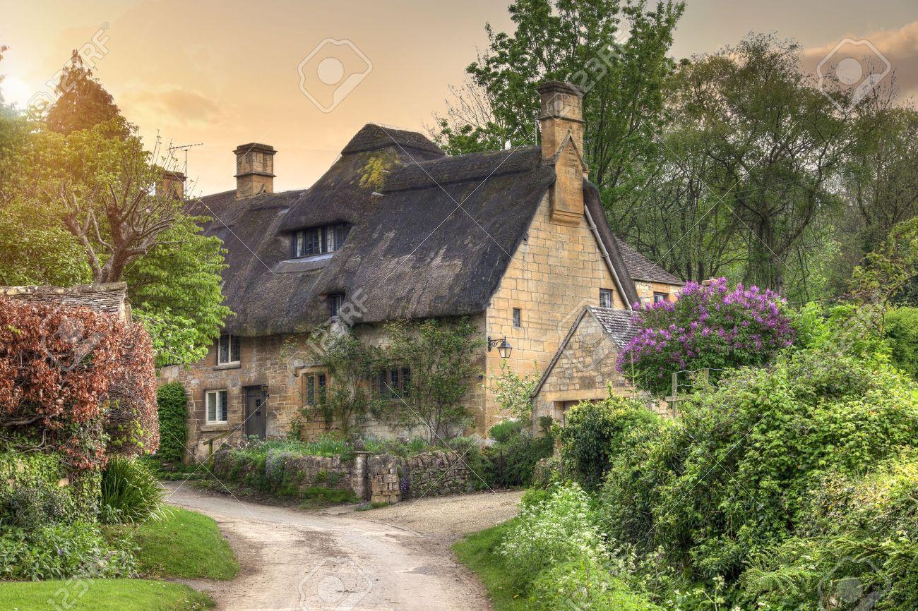 Resultado de imagem para distrito de Gloucestershire - Inglaterra
