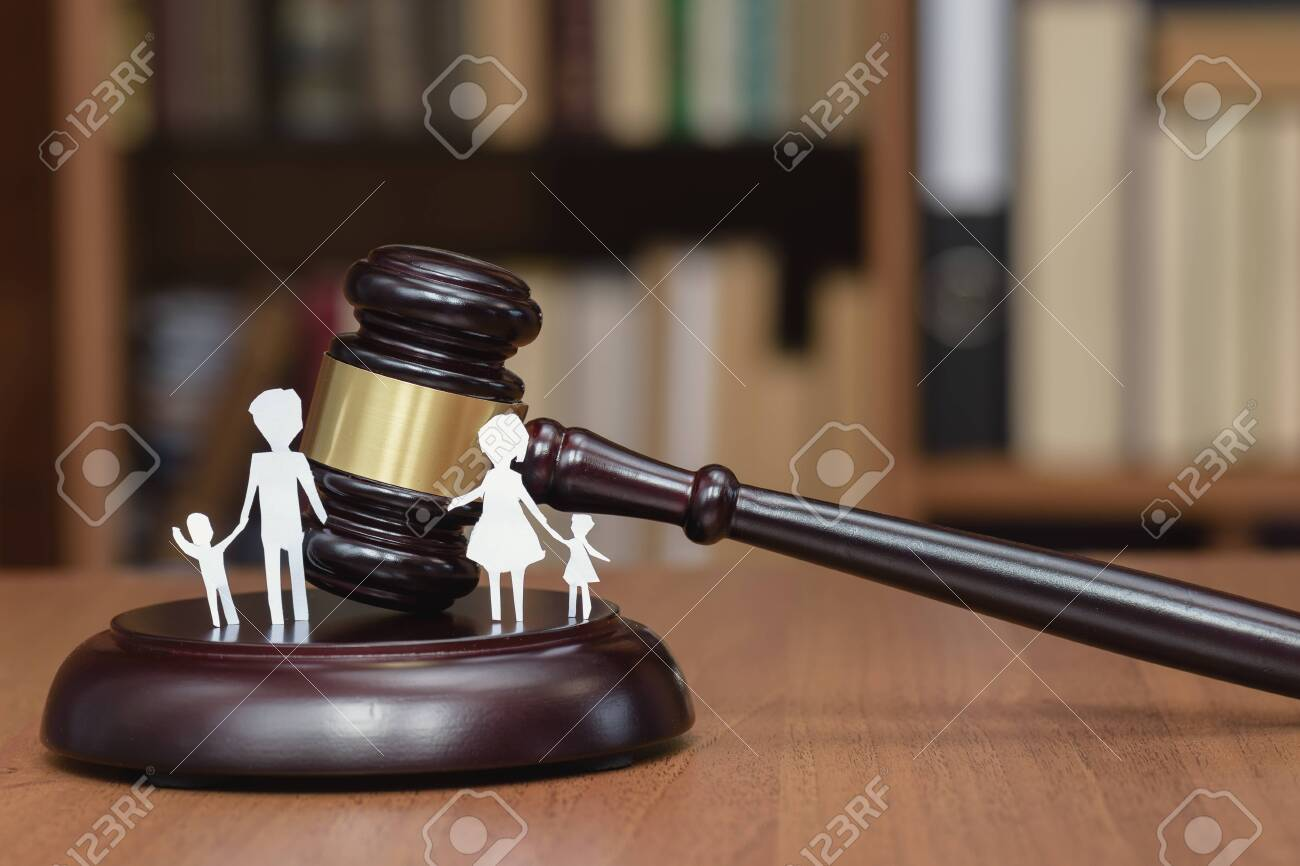 Court and the rights of the family and children. Legal Area children. Section of children during a divorce. Children's legal zone. Family law, the concept of family law in court. - 144736818