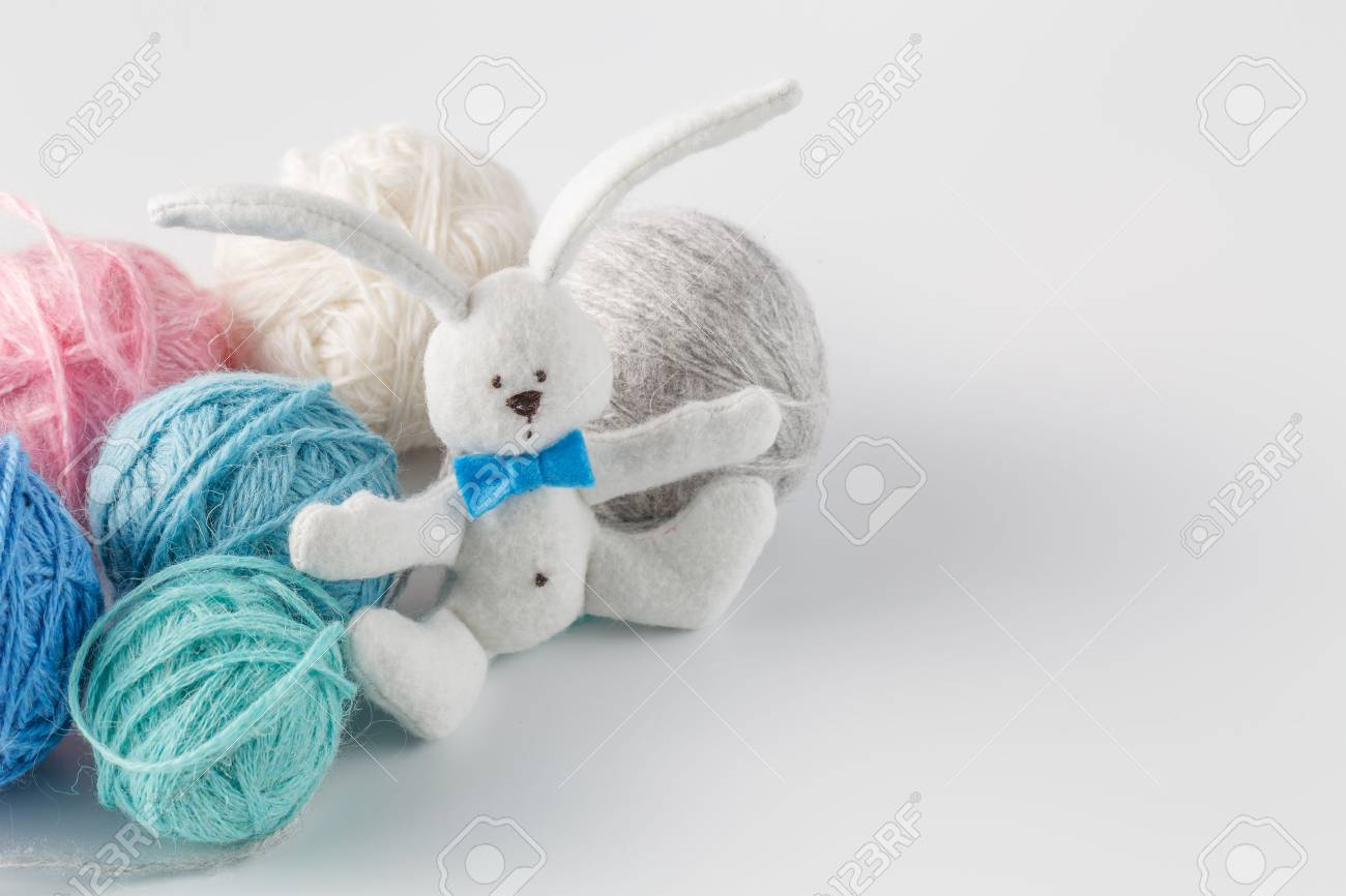 Concepto De La Costura Manía. Fieltro Hecho A Mano De Conejo De ...