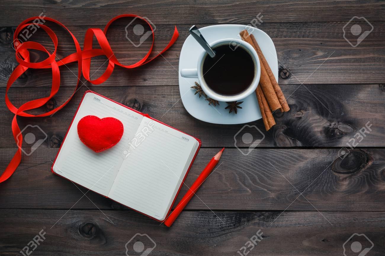 Sueno De Cafe Por La Noche Lacteos Y Lapiz Con Frase De Amor En La