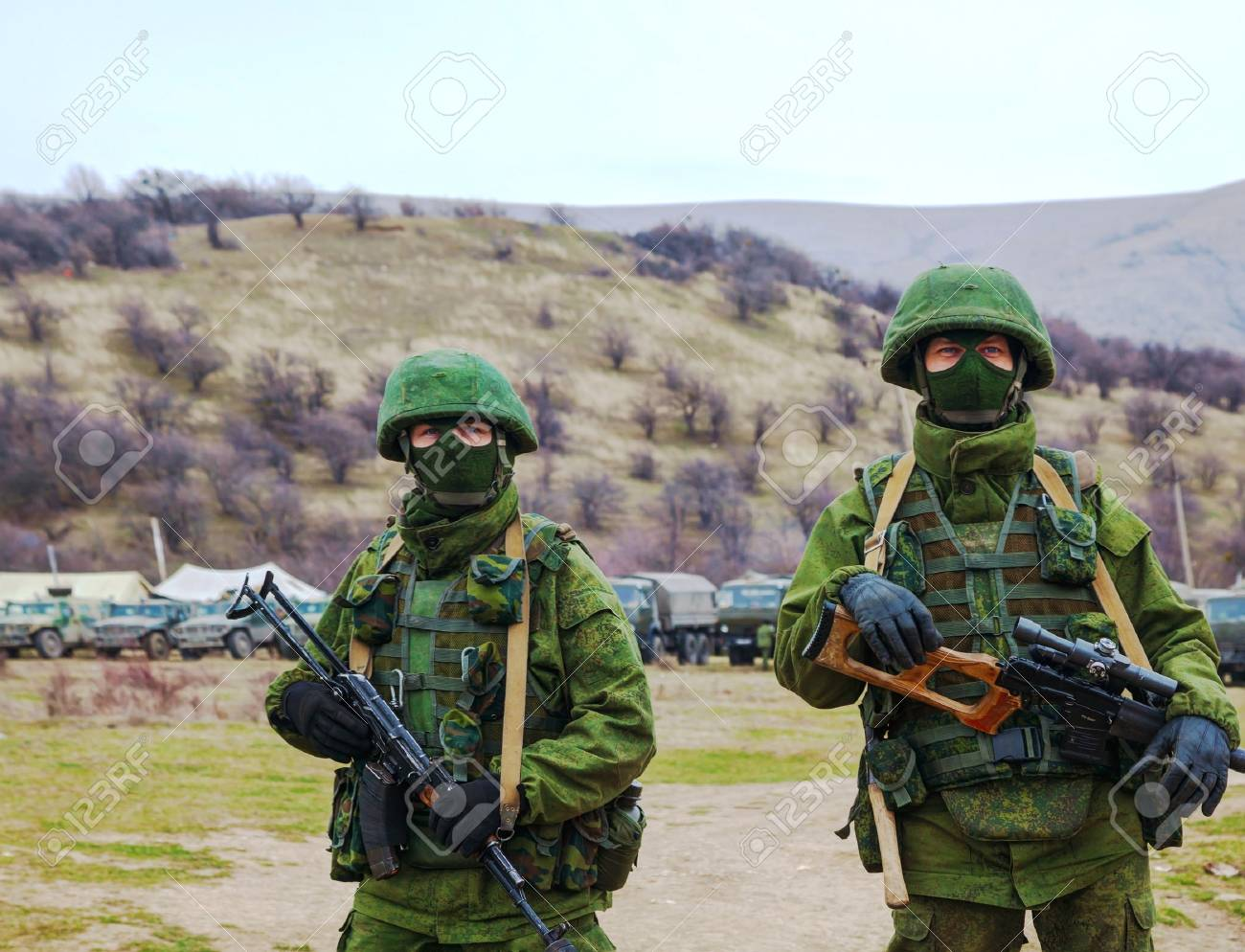 PEREVALNE, UKRAINE - MARCH 4  Russian soldiers on March 4, 2014 in Perevalne, Crimea, Ukraine  On February 28, 2014 Russian military forces invaded Crimea peninsula  Stock Photo - 26410681
