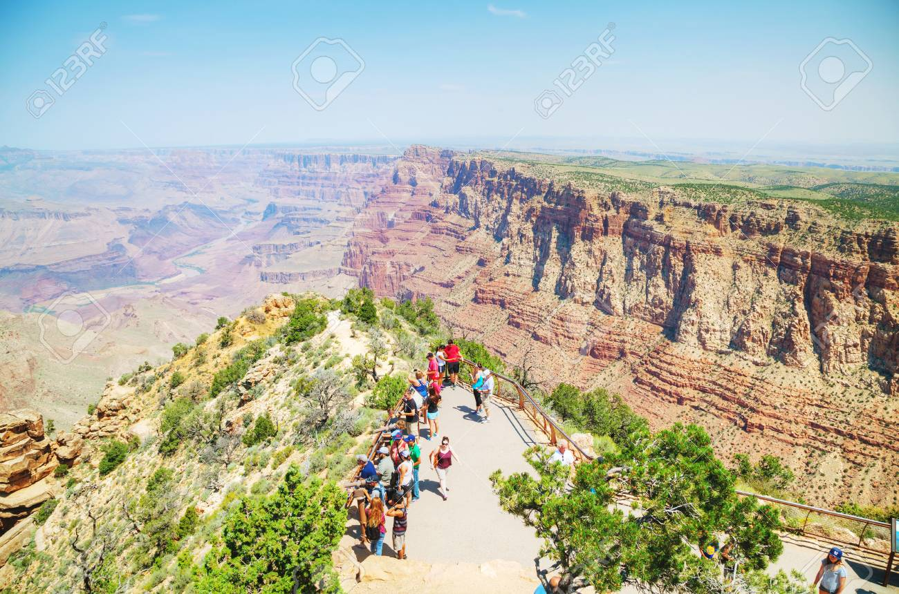 Grand Canyon Village >> Grand Canyon Village Az August 20 Crowded With People Desert