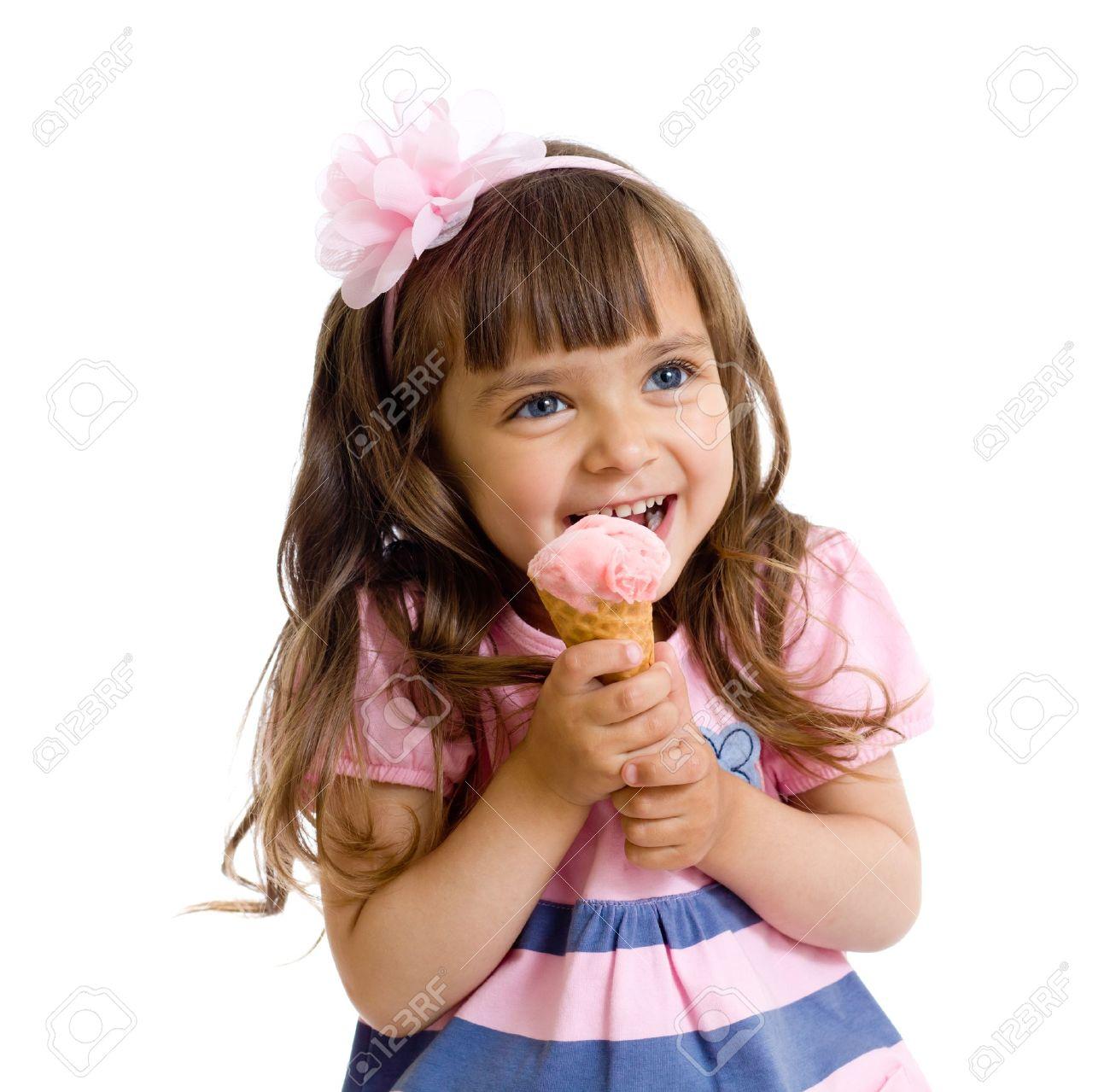 Фото маленькая девочка с пиздой 3 фотография