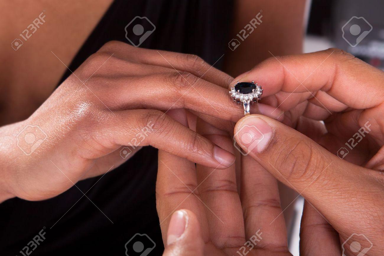 doigt pour bague homme