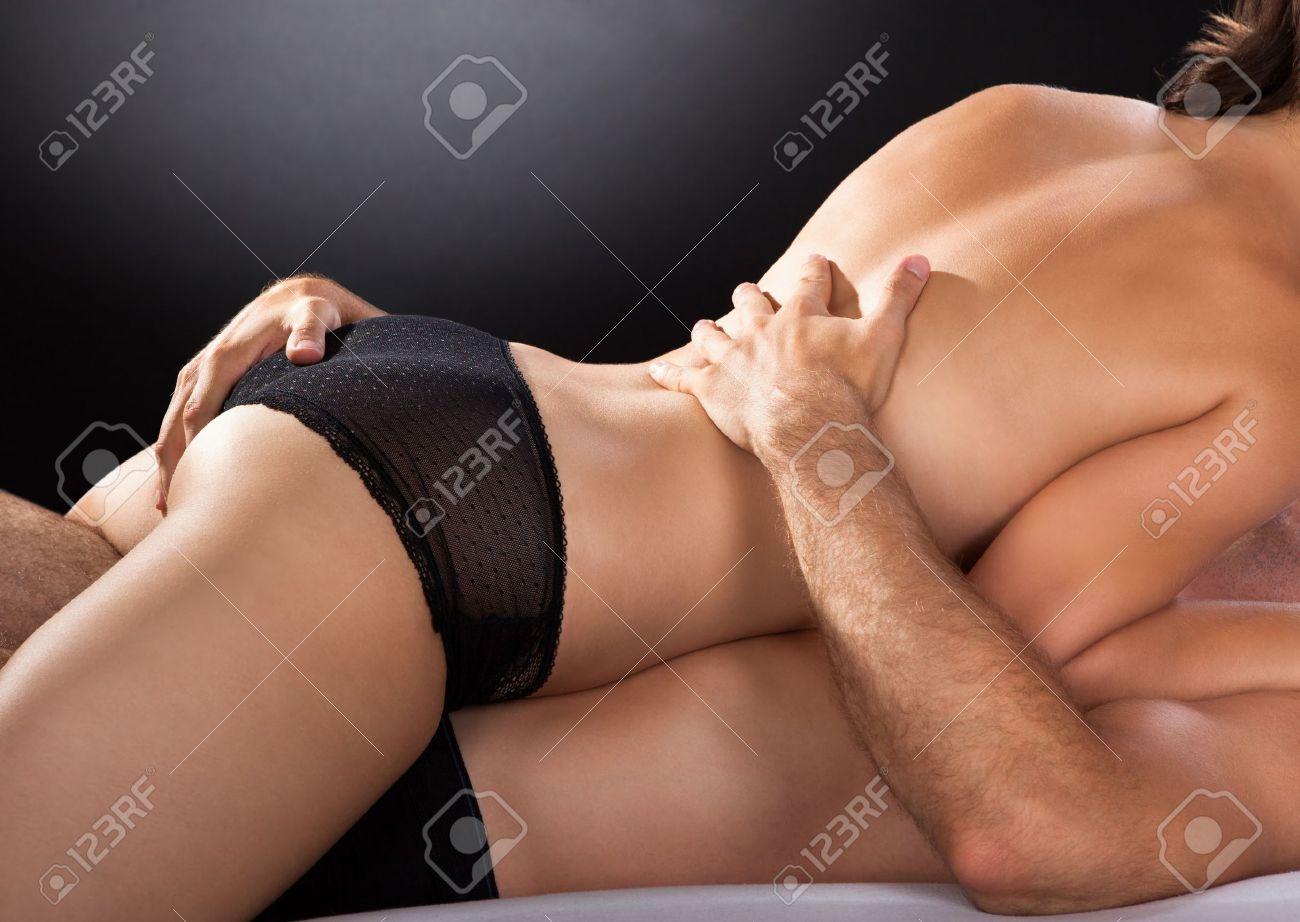 une belle grosse femme accepte la sodomie profonde