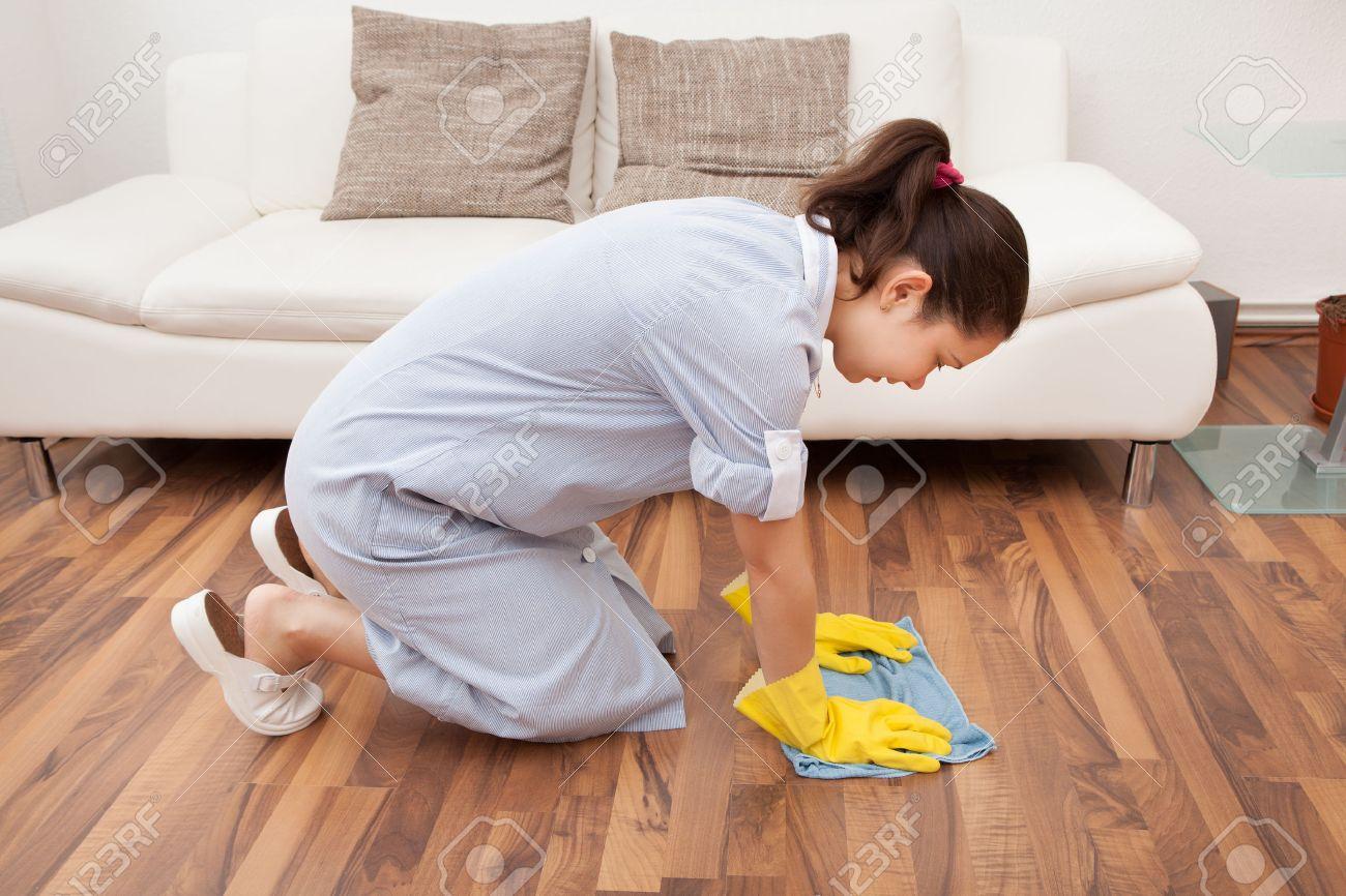 Limpieza De Suelos De Madera No Esperes Demasiado Tiempo Entre  ~ Como Limpiar El Suelo De Gres Para Que Brille