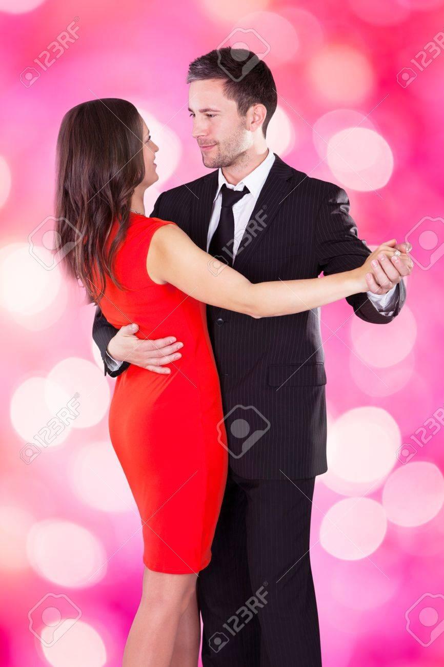 Encantador Marcas De Vestir La Parte Superior De Baile Composición ...