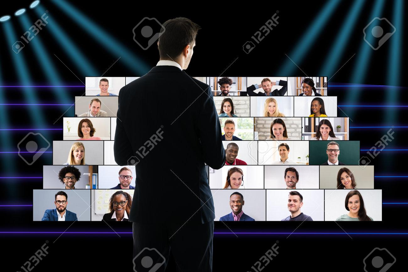 Corporate Entrepreneur Speech At Virtual Business Convention Event - 161718035