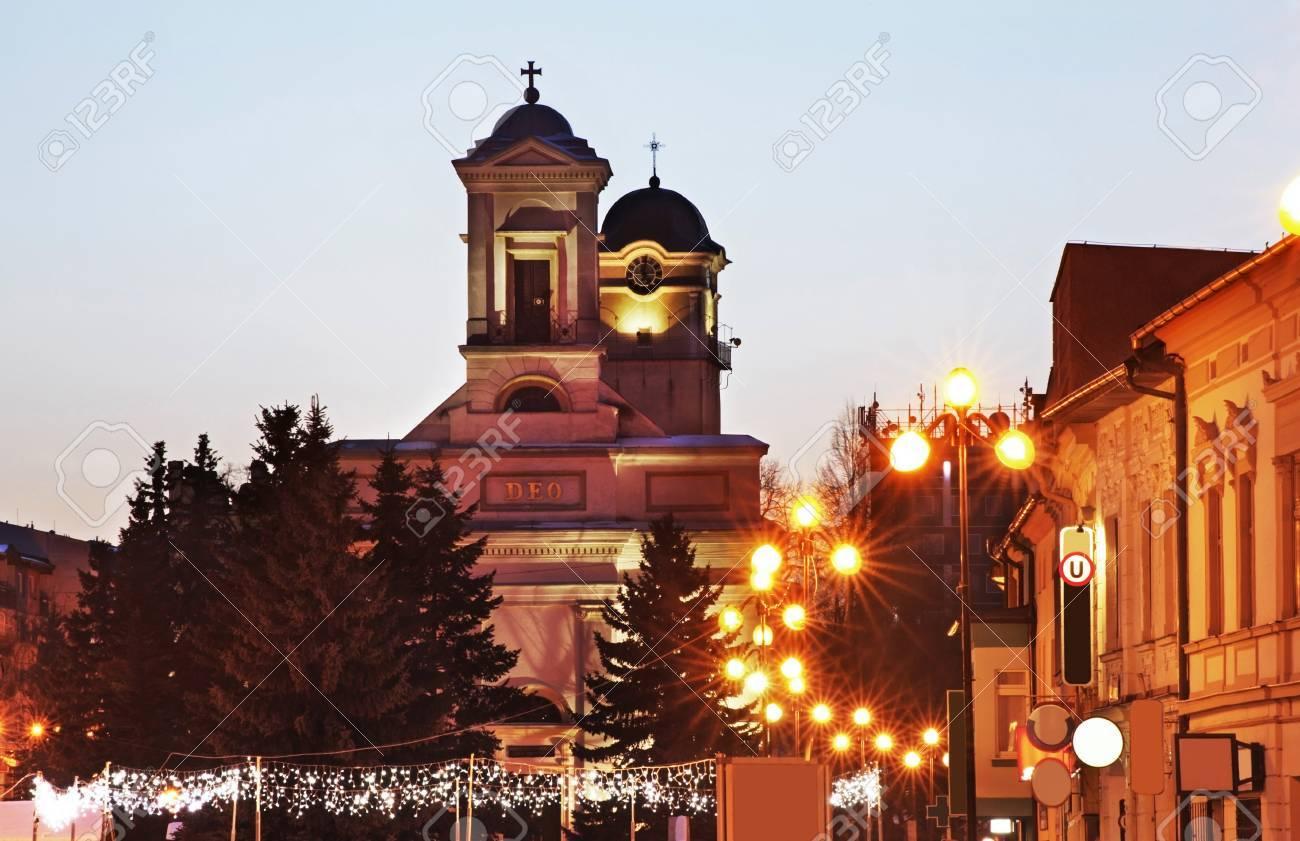 ポプラトの聖まもなく広場の聖トリニティのルーテル教会スロバキア の ...