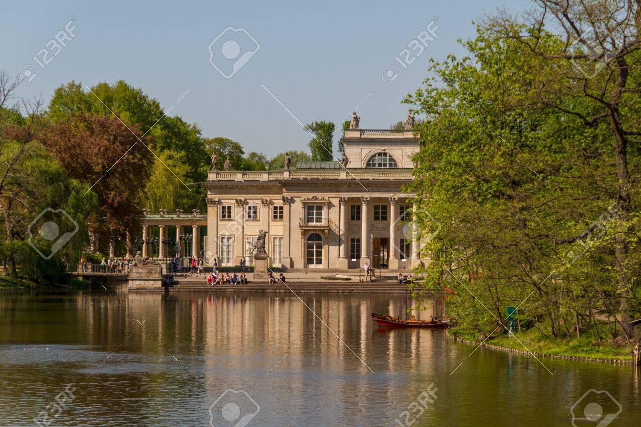 De Lazienki Paleis In Lazienki Park Warschau å Azienki Krã³lewskie