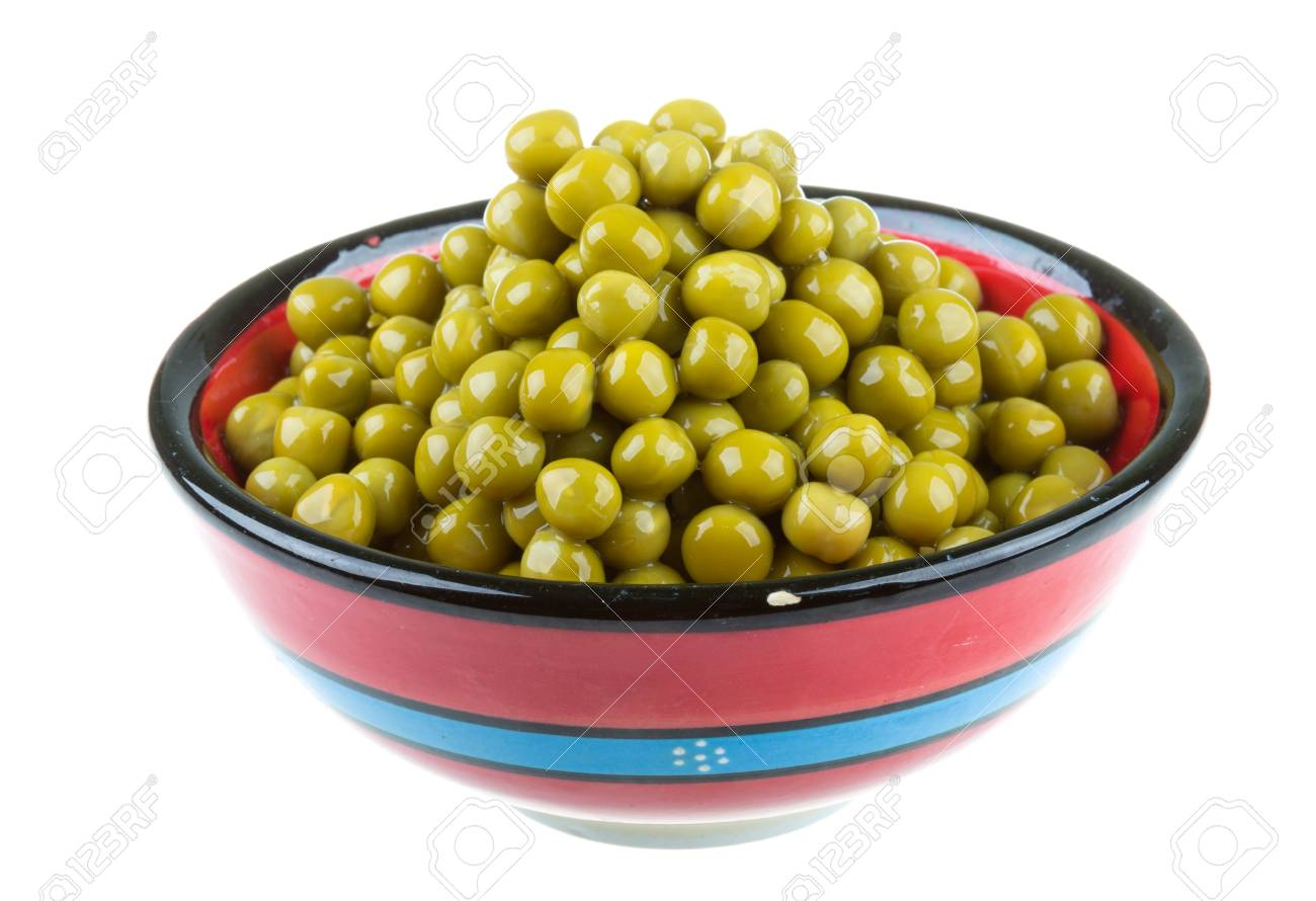 green peas, in a bowl, isolated, white background Stock Photo - 16471713