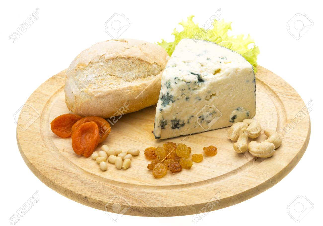 Slice of blue cheese Stock Photo - 17176337