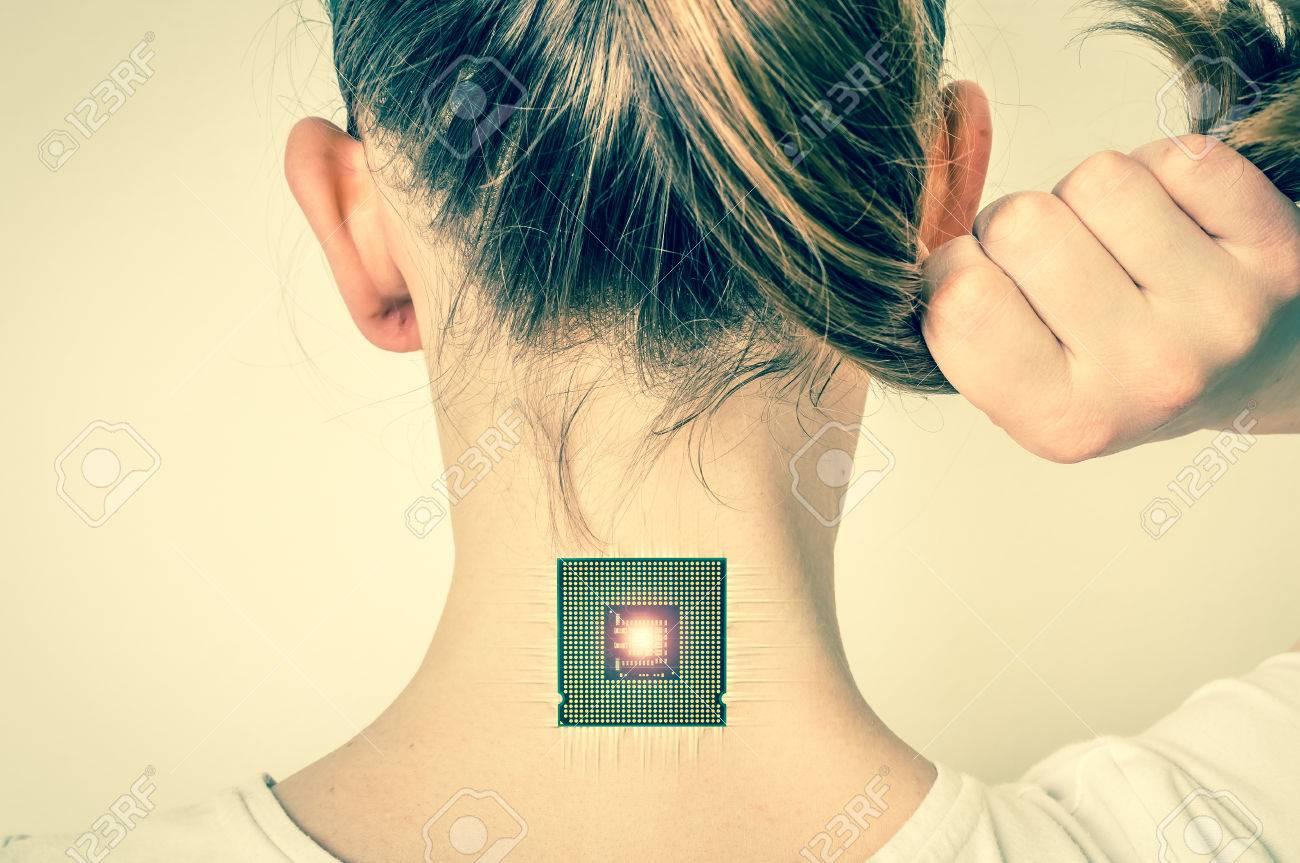 Bionic Microchip Dentro Del Cuerpo Humano Femenino - Tecnología De ...