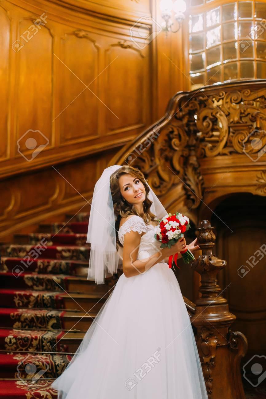 Tolle Rote Und Weißen Brautkleider Fotos - Hochzeit Kleid Stile ...