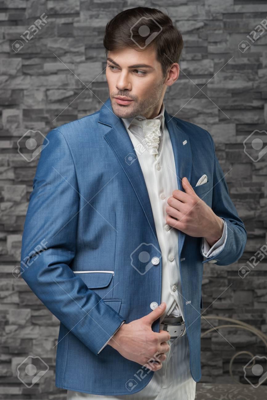 Cravate Banque Clair Homme Bleu Gilet Veste Blanc En D Modèle Et qAfwT18w