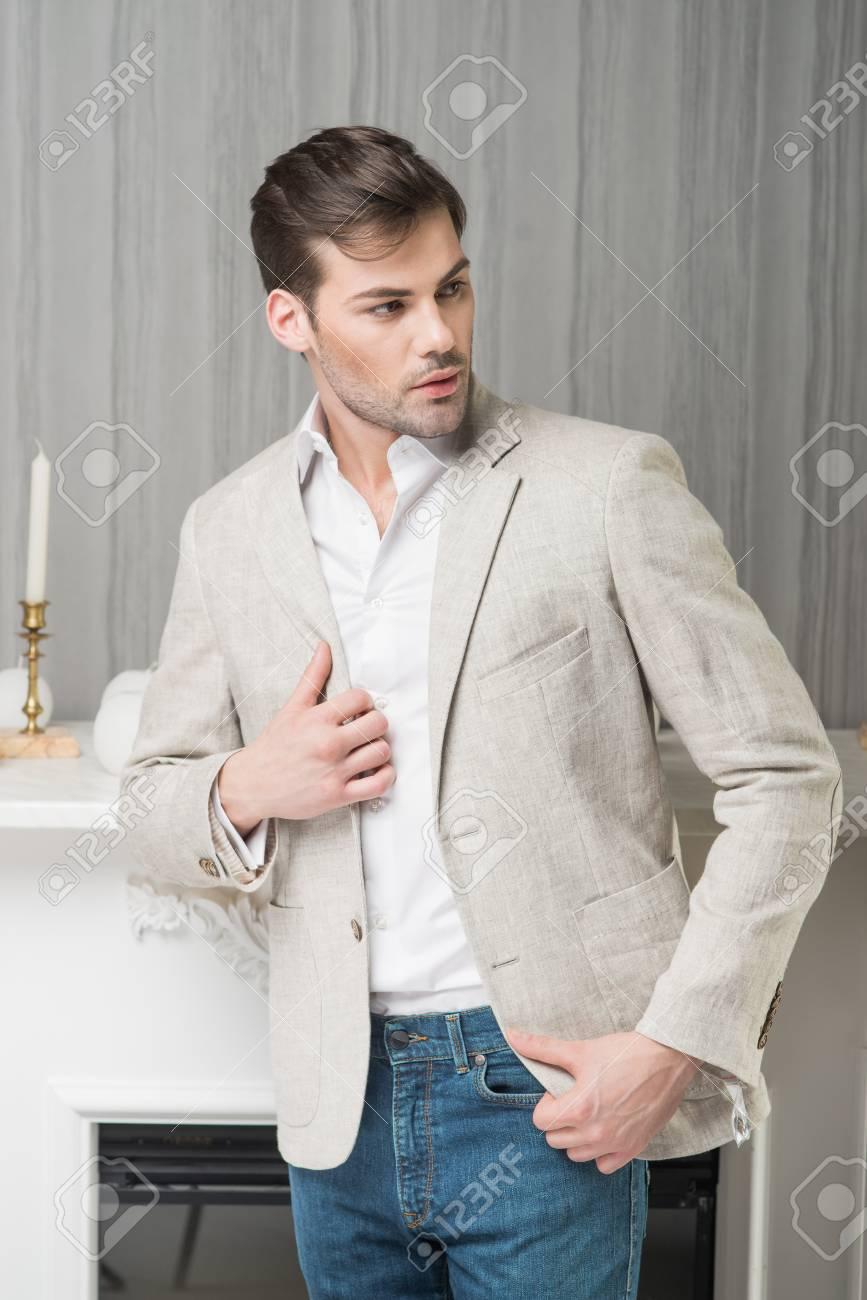 Veste beige chemise bleue