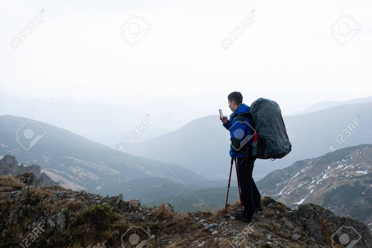 Traveler blogger. Tours for photographers in the Alps - 121756069