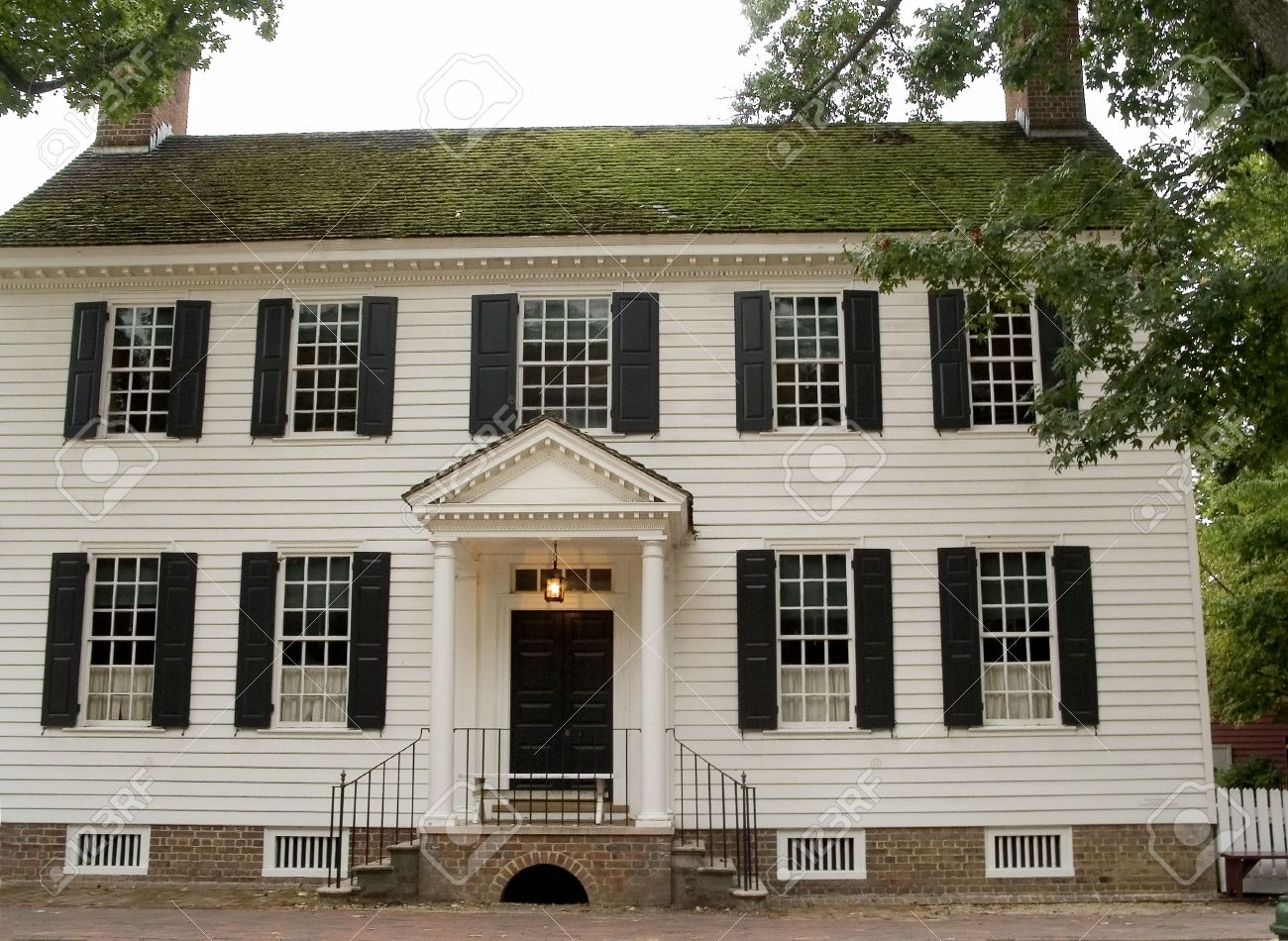 A Historical Colonial Building In Williamsburg Virginia Stock Photo
