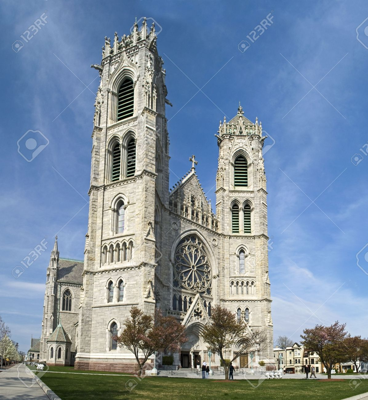 A wide view of The Sacred Heart Cathedral in Newark New Jersey. Stock Photo - 4795601