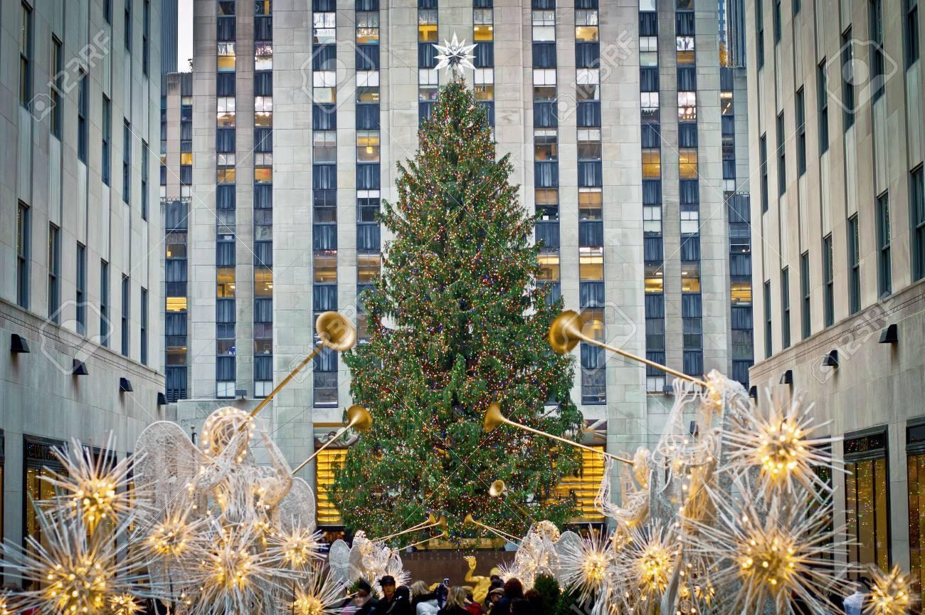 NEW YORK - 30 NOVEMBRE: Décorations Des Fêtes Et De L\'arbre De Noël ...