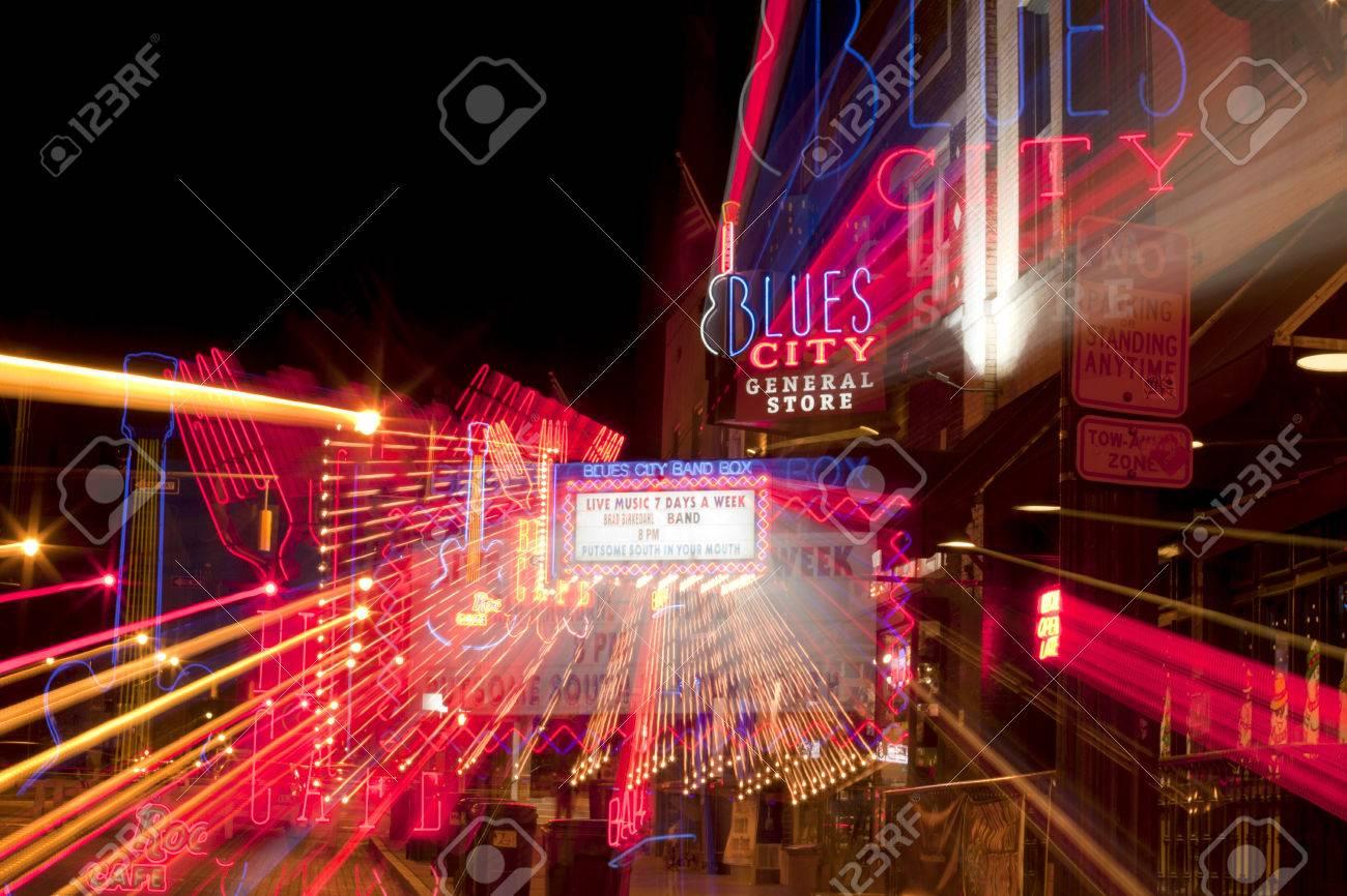 Resumen De La Famosa Beale Streetin Centro De Memphis, Tennessee. Es ...