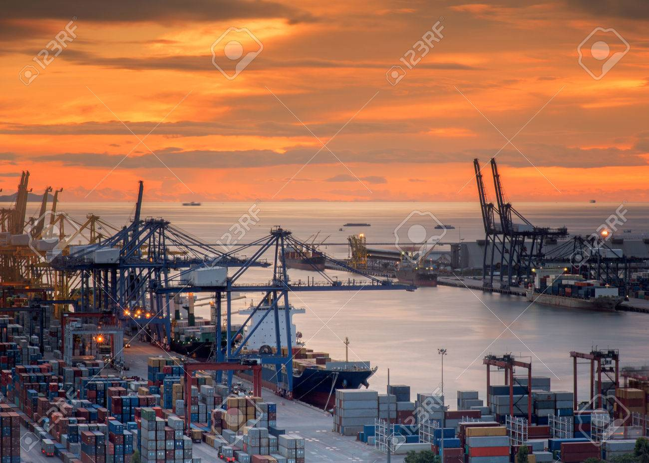 Landscape from bird view of Cargo ships entering one of the busiest ports Standard-Bild - 31342240