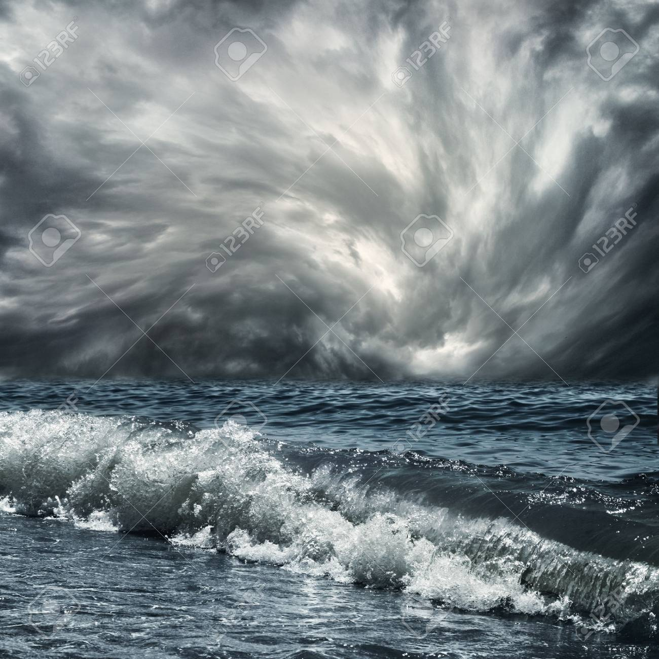 a large wave at sea Stock Photo - 10785703