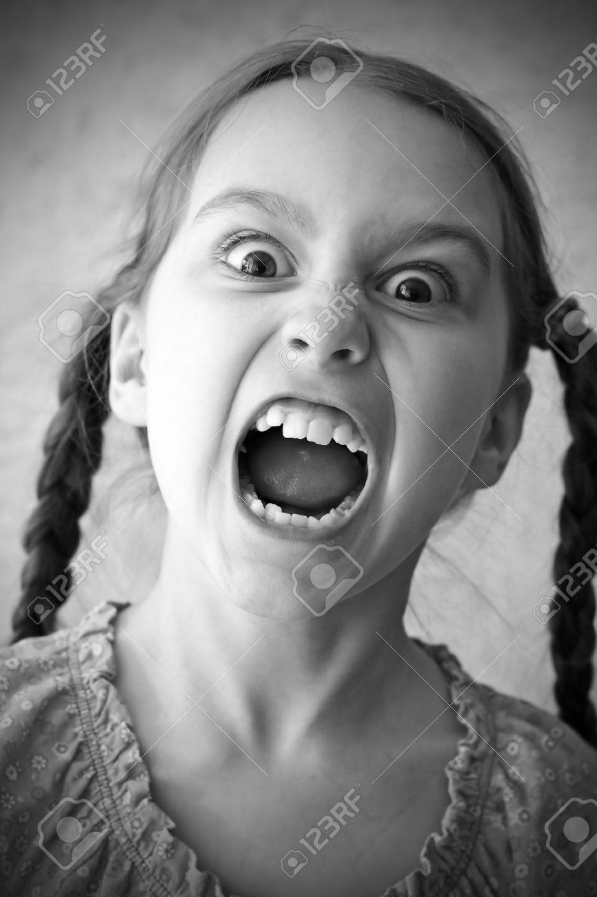 Фото кричащей девушки 23 фотография