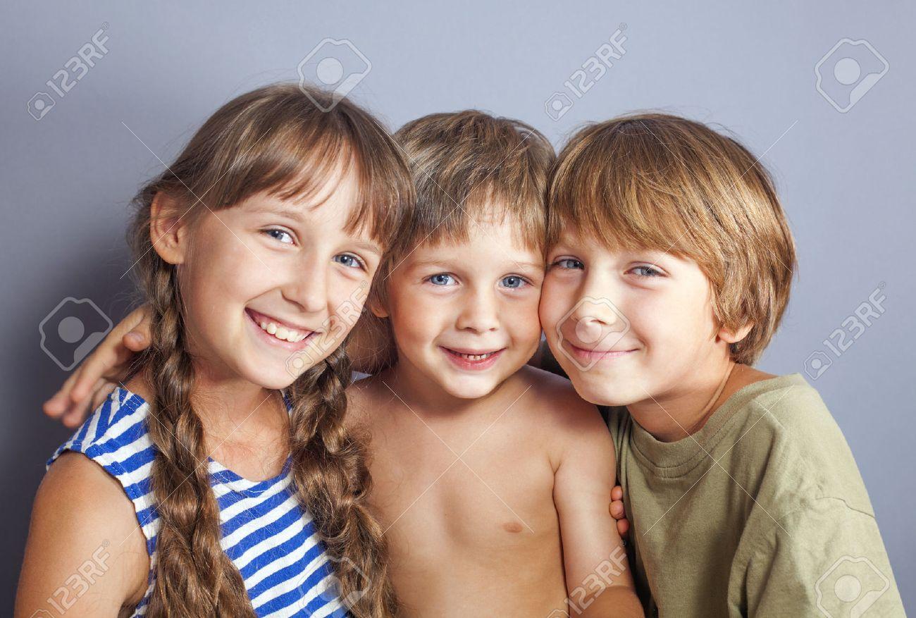 Брат с сестрой занимаются смотреть онлайн