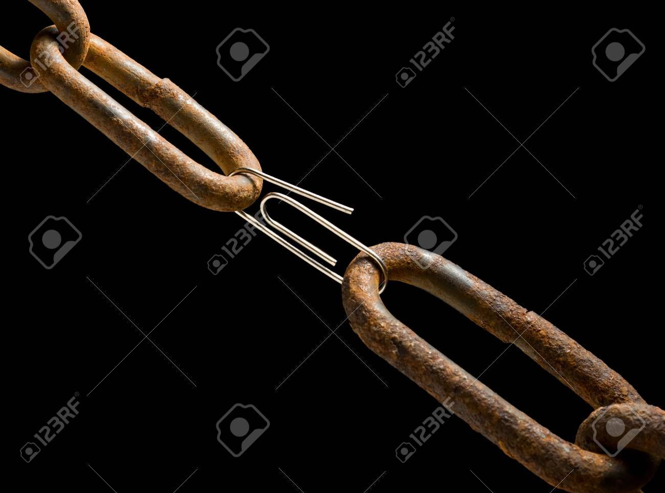Weak or strong link concept Stock Photo - 5958293