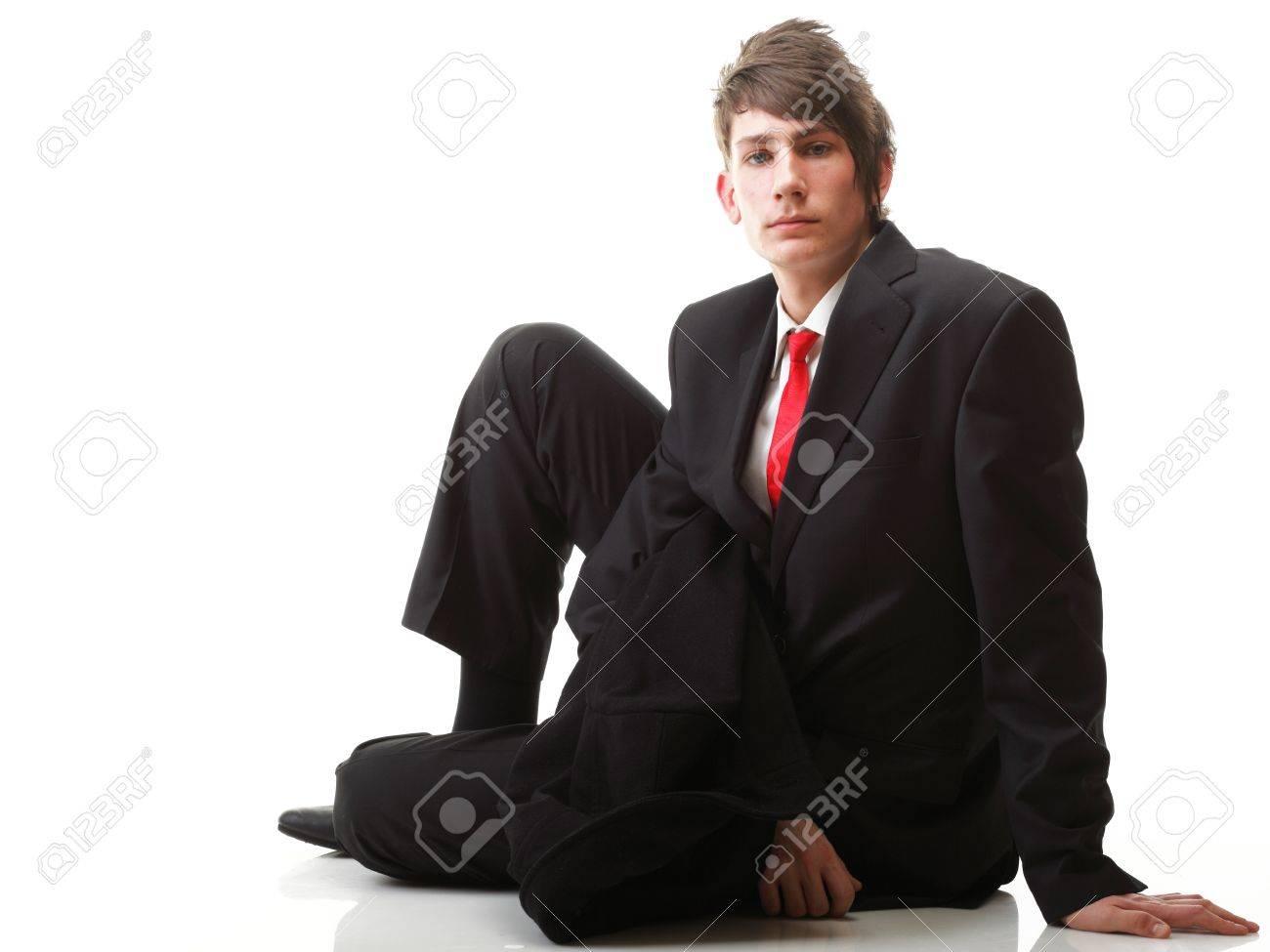 Schwarzer anzug welche krawatte