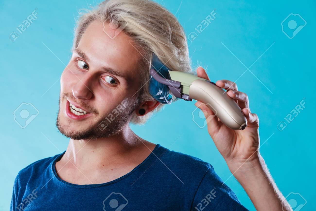 Hairdo Peinado Concepto Frio Hombre Peluquero Que Hace Uno Mismo